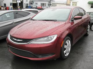 Used 2015 Chrysler 200 Berline 4 portes LX, traction avant for sale in St-Martin, QC