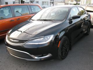 Used 2015 Chrysler 200 Berline 4 portes Limited, traction avant for sale in St-Martin, QC