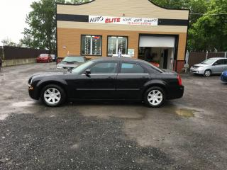 Used 2005 Chrysler 300 Berline 4 portes 300 à traction arrière for sale in Saint-sulpice, QC