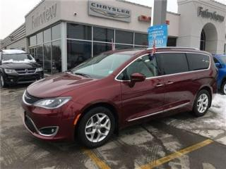 Used 2017 Chrysler Pacifica Leather/DVD/Navi/Pan Roof for sale in Burlington, ON