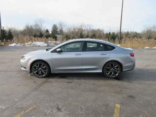 Used 2015 Chrysler 200 S FWD for sale in Cayuga, ON
