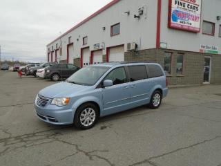 Used 2013 Chrysler Town & Country TOURING for sale in Sudbury, ON
