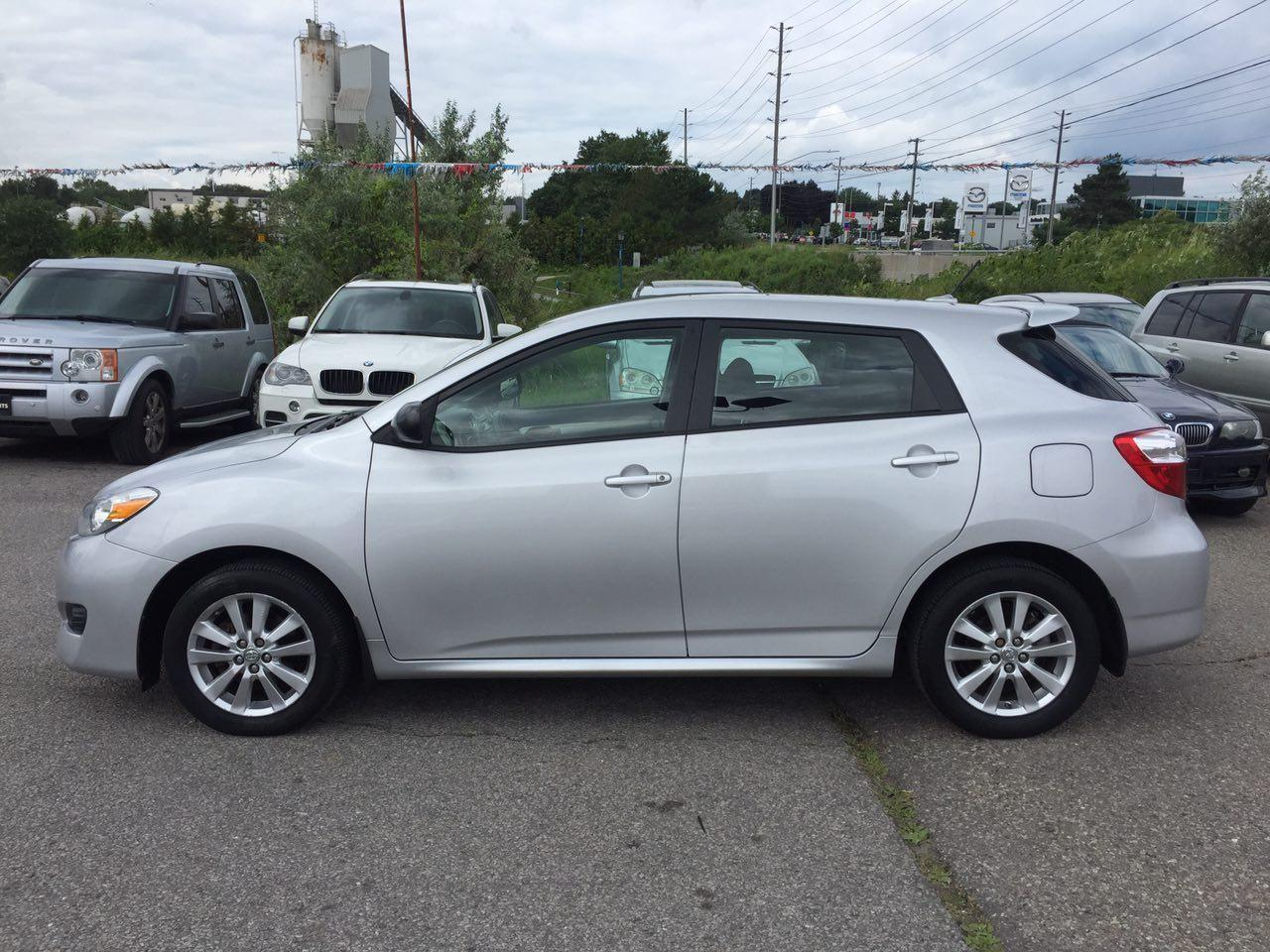 used 2010 toyota matrix auto for sale in newmarket ontario. Black Bedroom Furniture Sets. Home Design Ideas