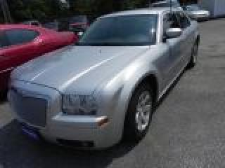 Used 2006 Chrysler 300 Touring * LEATHER for sale in Windsor, ON