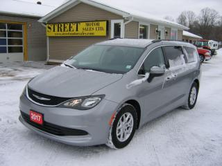 Used 2017 Chrysler Pacifica Stow & Go for sale in Smiths Falls, ON