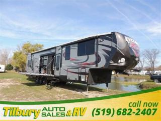 New 2016 HEARTLAND Cyclone 4200 HD. TOY-HAULER FIFTH-WHEEL for sale in Tilbury, ON