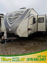 New 2017 Gulf Stream CHAMPAGNE GULF BREEZE 32TSK TRAVEL-TRAILER for sale in Tilbury, ON