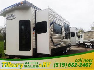 New 2017 HY-LINE HY32 FLSB **WEEKLY PAYMENTS AS LOW AS $82** for sale in Tilbury, ON
