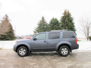 Used 2012 Nissan Pathfinder S- 7 Passenger for sale in Thornton, ON