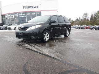 Used 2014 Toyota Sienna LE for sale in Ottawa, ON