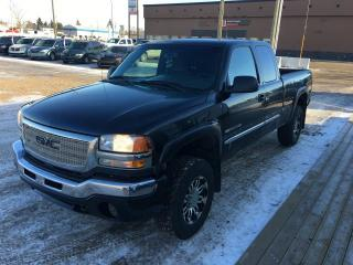 Used 2006 GMC Sierra 2500 HD SLE EXT. CAB 4WD for sale in Stettler, AB