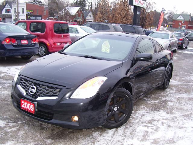 used 2009 nissan altima 2 5 s coupe tinted fog lights sunroof for sale in kitchener ontario. Black Bedroom Furniture Sets. Home Design Ideas