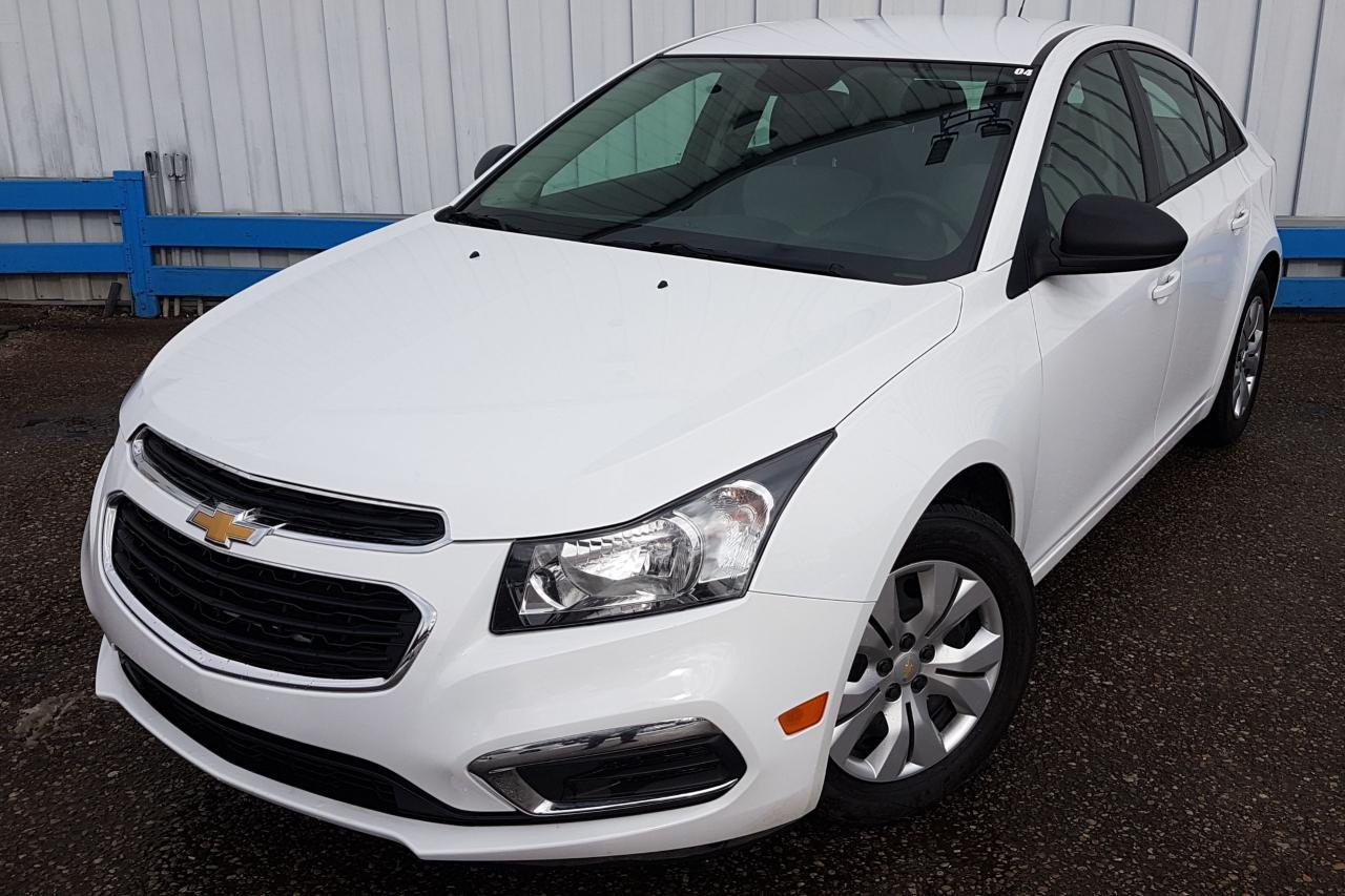 2016 Chevrolet Cruze LS *6-SPEED*