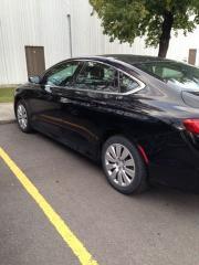 Used 2015 Chrysler 200 black for sale in Brampton, ON