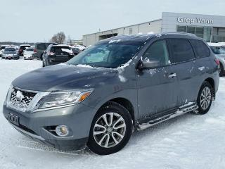 Used 2016 Nissan Pathfinder SV 4x4 w/3rd row,heated seats,pwr group,rear cam,DVD,running boards for sale in Cambridge, ON