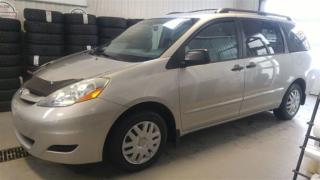 Used 2010 Toyota Sienna Ce 7 Passagers for sale in Gatineau, QC