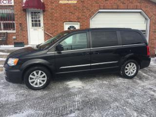 Used 2014 Chrysler Town & Country TOURING for sale in Bowmanville, ON