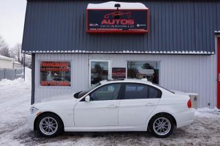 Used 2011 BMW 323i I Blanc Cuir Toit for sale in Saint-romuald, QC