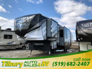 New 2018 HEARTLAND CYCLONE 3600 HD. TOY-HAULER FIFTH-WHEEL for sale in Tilbury, ON