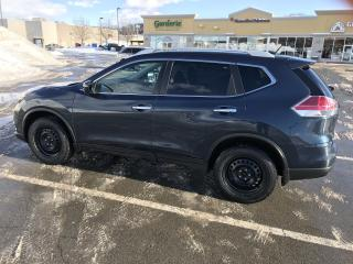 Used 2015 Nissan Rogue SV AWD for sale in Notre-dame-de-l'ile-perrot, QC
