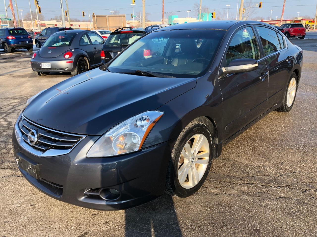 Photo of Gray 2010 Nissan Altima