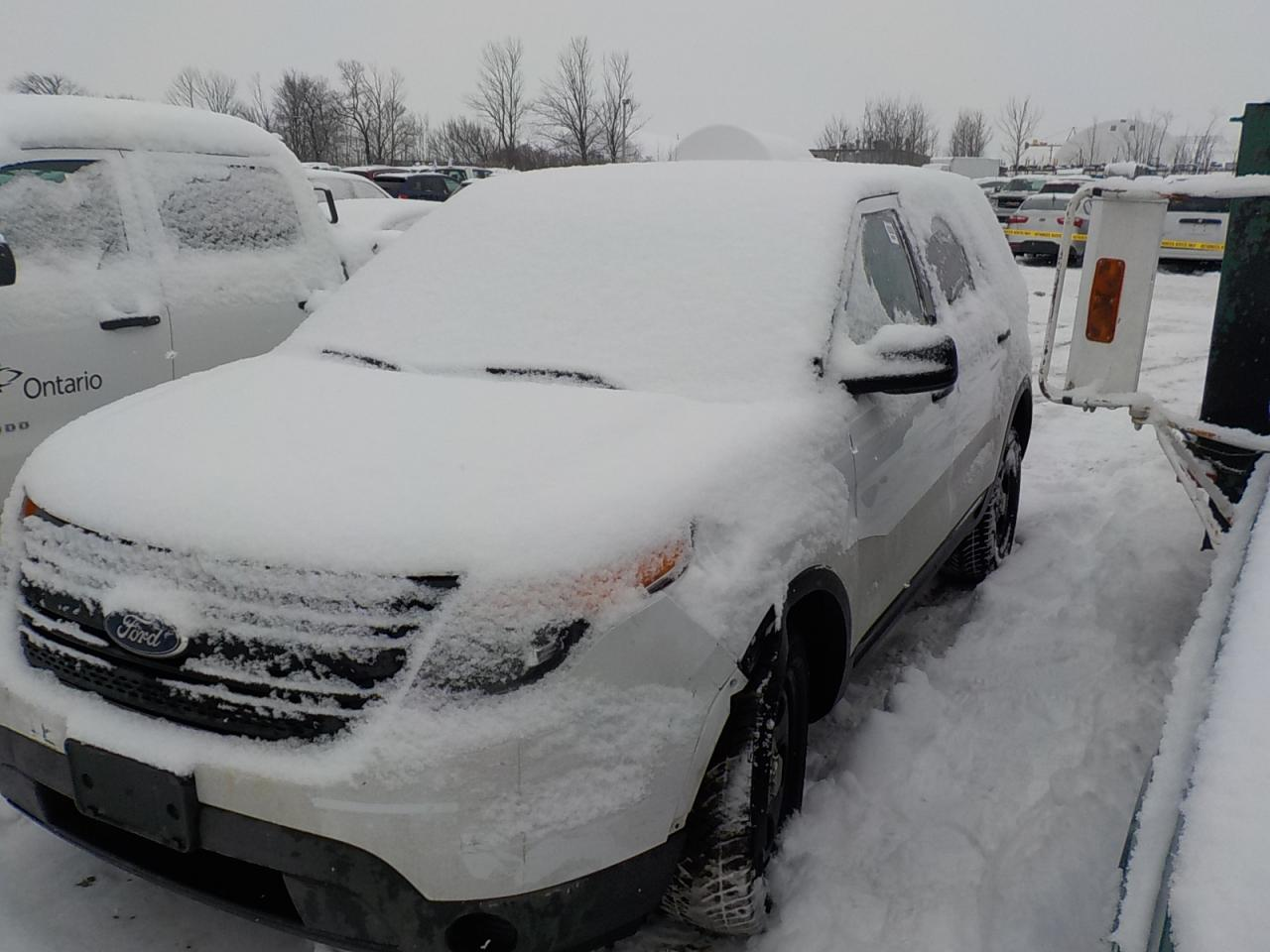 Photo of White 2013 Ford Explorer