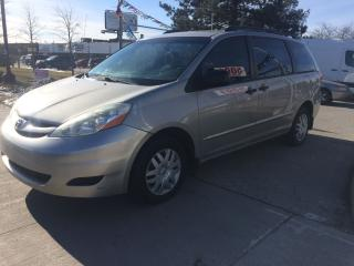 Used 2006 Toyota Sienna LE,NO ACCIDENT,SAFETY+3YEARS WARRANTY INCLUDED for sale in North York, ON