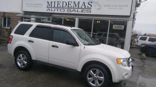 Used 2011 Ford Escape XLT for sale in Mono, ON