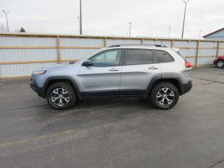 Used 2016 Jeep CHEROKEE TRAILHAWK 4X4 for sale in Cayuga, ON