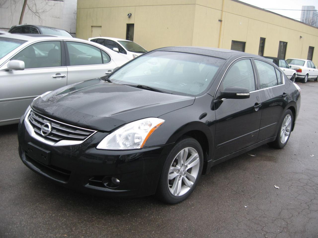 Photo of Black 2012 Nissan Altima