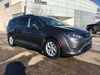 Used 2017 Chrysler Pacifica TOURING/HEATED SEATS/HEATED WHEEL/BACK UP CAMERA for sale in Edmonton, AB