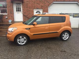 Used 2010 Kia Soul 2U Bluetooth Heated Cloth Alloys Clean! for sale in Bowmanville, ON