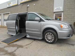 Used 2014 Chrysler Town & Country Side Entry Wheelchair Accessible for sale in London, ON