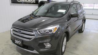Used 2017 Ford Escape 4WD low kms PANORAMIC ROOF AS NEW for sale in Chatsworth, ON