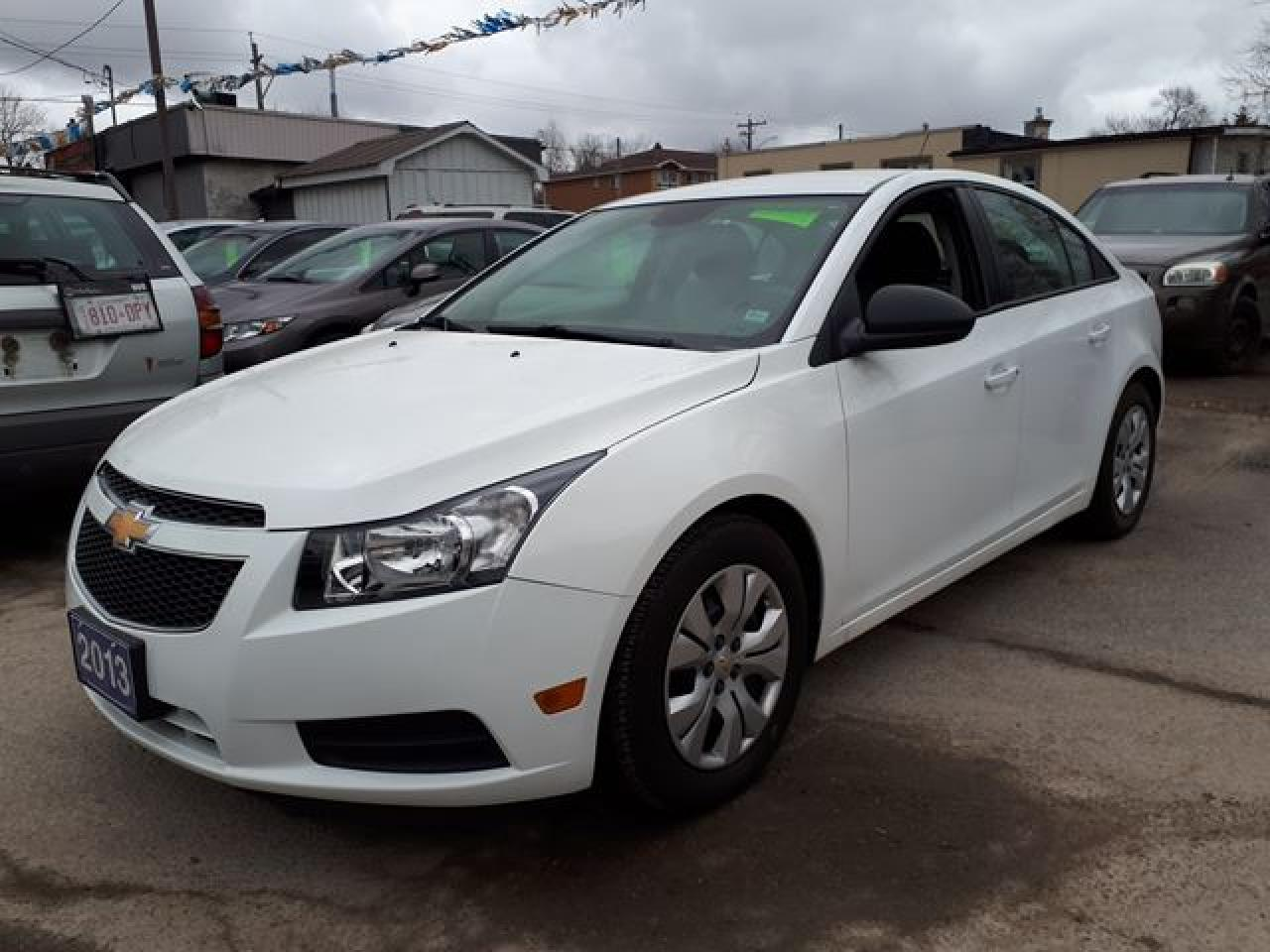 Photo of White 2013 Chevrolet Cruze