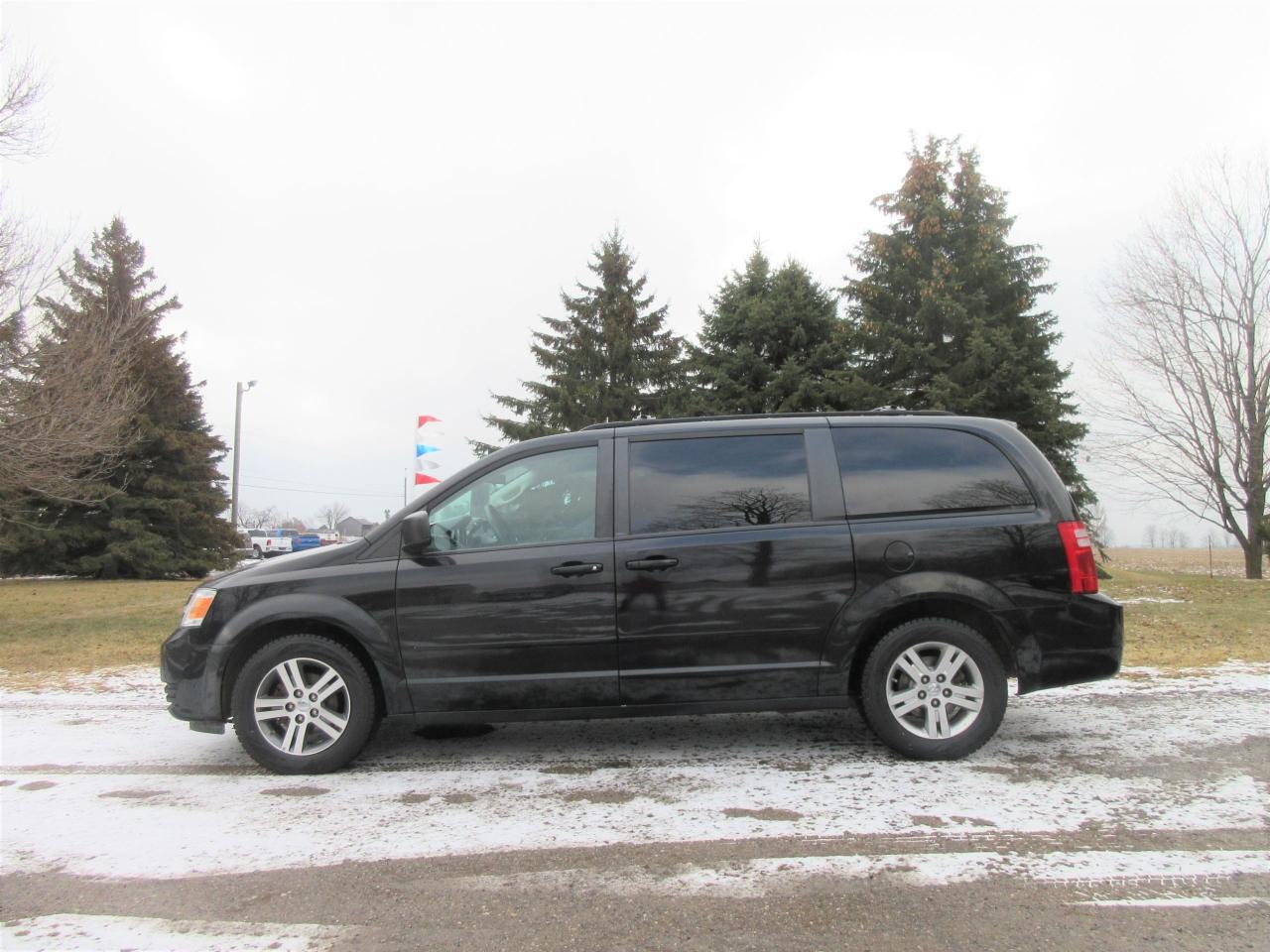 2010 Dodge Grand Caravan SE- Full Stow n Go