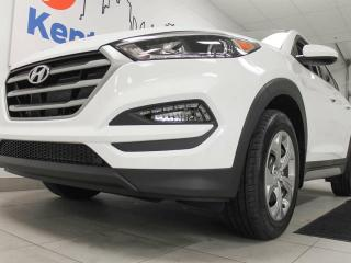 Used 2018 Hyundai Tucson SE AWD with heated seats, back up cam and sparkling white colour for sale in Edmonton, AB
