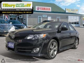 Used 2014 Toyota Camry SE. SUNROOF. TOUCH SCREEN. for sale in Tilbury, ON