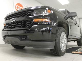 Used 2017 Chevrolet Silverado 1500 4x4 double cab 1500 6.6 ft box. absolutely stunning truck! for sale in Edmonton, AB