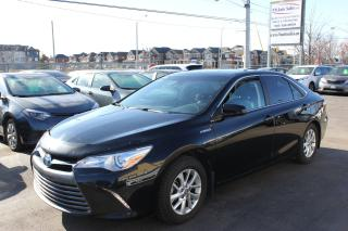 Used 2016 Toyota Camry XLE Hybrid Sunroof Leather Loaded for sale in Brampton, ON
