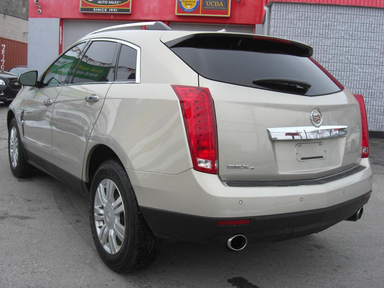 review used expert srx cadillac of vehicle