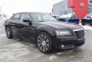 Used 2012 Chrysler 300 S +cuir+toit+bluetoo for sale in Sherbrooke, QC