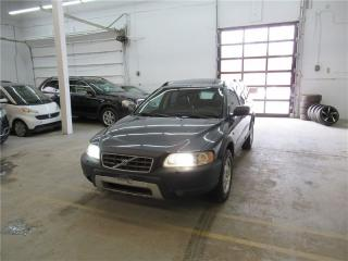 Used 2005 Volvo XC70 2.5T AWD A SR for sale in Montreal, QC