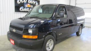 Used 2005 GMC Savana 2500 Work truck low kms low price for sale in Chatsworth, ON