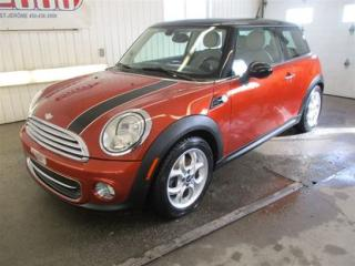 Used 2012 MINI Cooper Base/6 Vit/toit for sale in Saint-jerome, QC