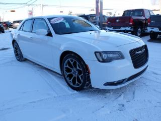 Used 2016 Chrysler 300 S Cuir Mags Gros for sale in Saint-hubert, QC