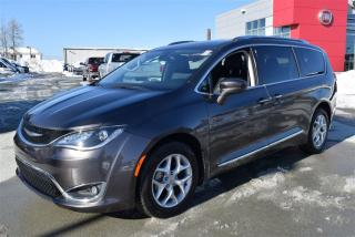 Used 2017 Chrysler Pacifica Touring+8 for sale in Sherbrooke, QC