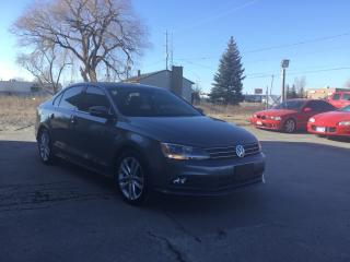 Used 2015 Volkswagen Jetta 2.0 TDI Highline TDI DIESEL!! REVERSE CAMERA!! LEATHER!! POWER HEATED SEATS & MORE for sale in Bolton, ON