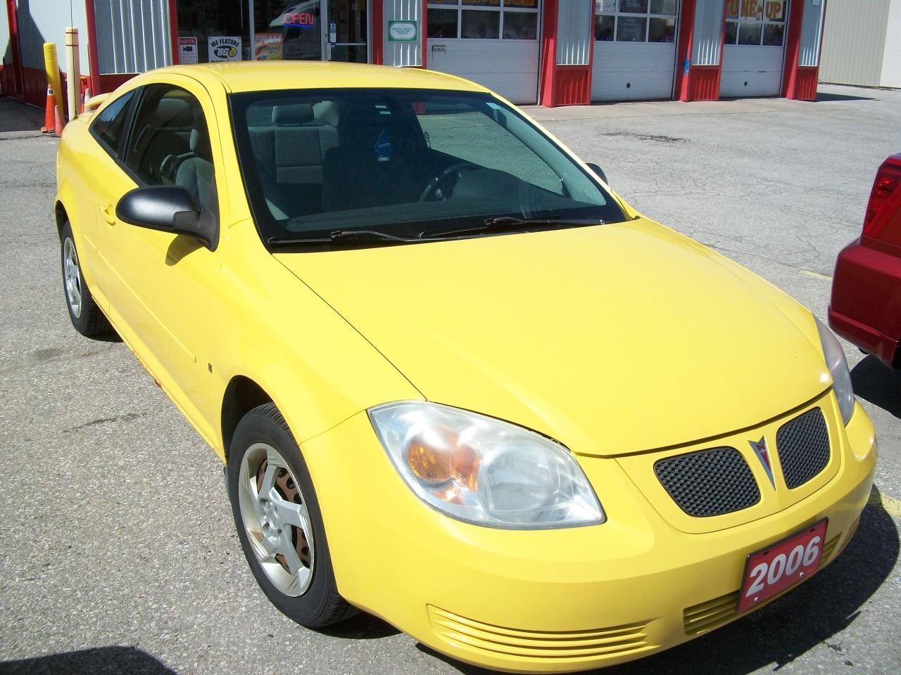Photo of Yellow 2006 Pontiac Pursuit