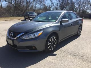 Used 2017 Nissan ALTIMA SV * ONE OWNER * REAR CAM * SUNROOF * LOW KM for sale in London, ON